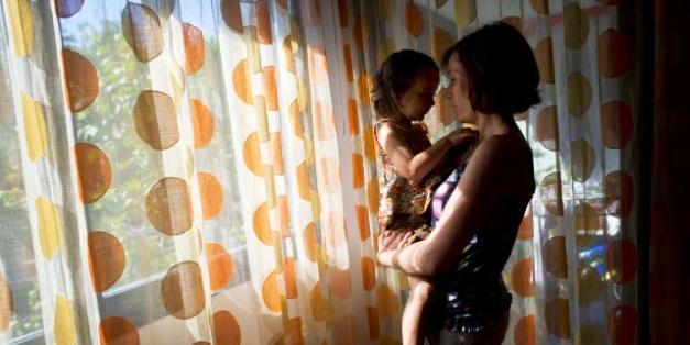 Problem wychowywania dzieci w pojedynkę statystycznie dużo częściej dotyka kobiet, © European Union